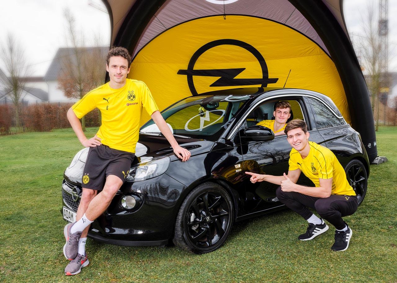 Opel: BVB-Sondermodelle mit Fußballer-Autogramm