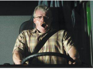 Sekundenschlaf: Auch Beifahrer unterschätzen Gefahr