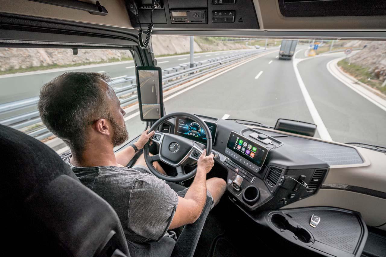 Unfälle zwischen Lkw und Fußgängern: Vor dem Kühlergrill ist's gefährlich