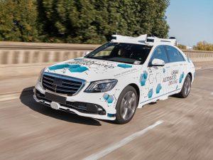 Bosch und Mercedes: Autonom fahrendes Auto als Mitreiseservice