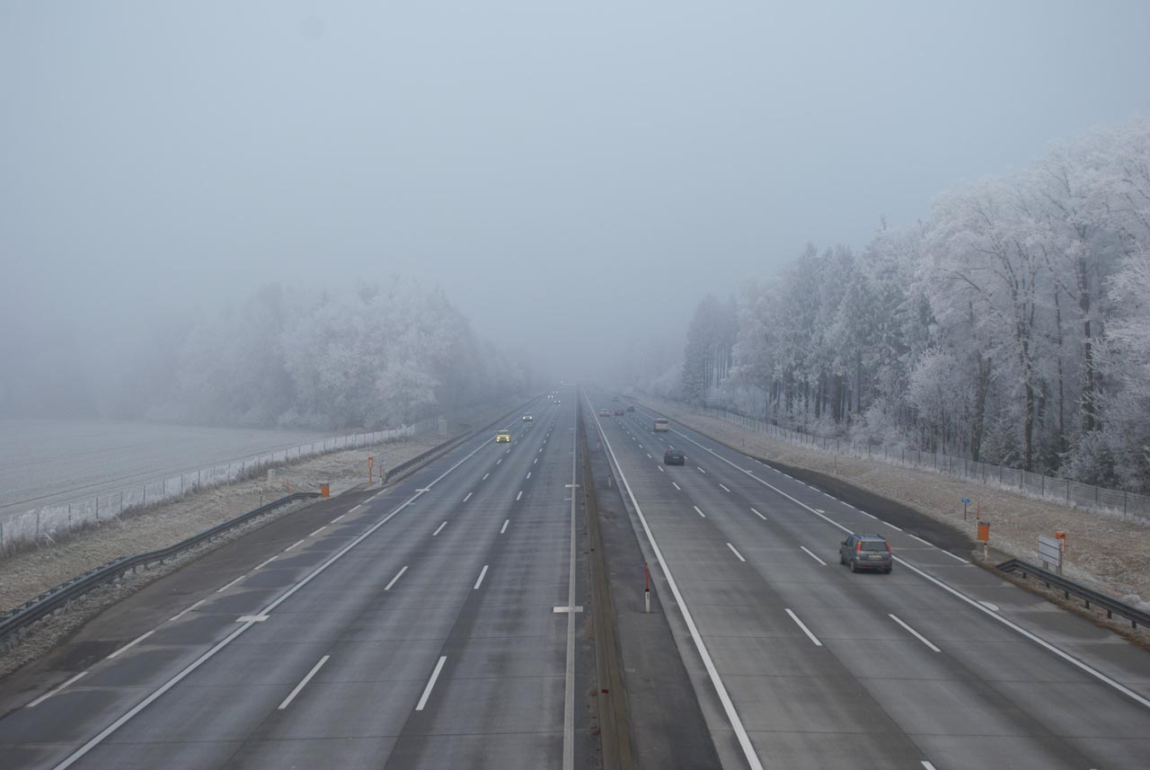 KÜS-Ratgeber: Fahren im Nebel