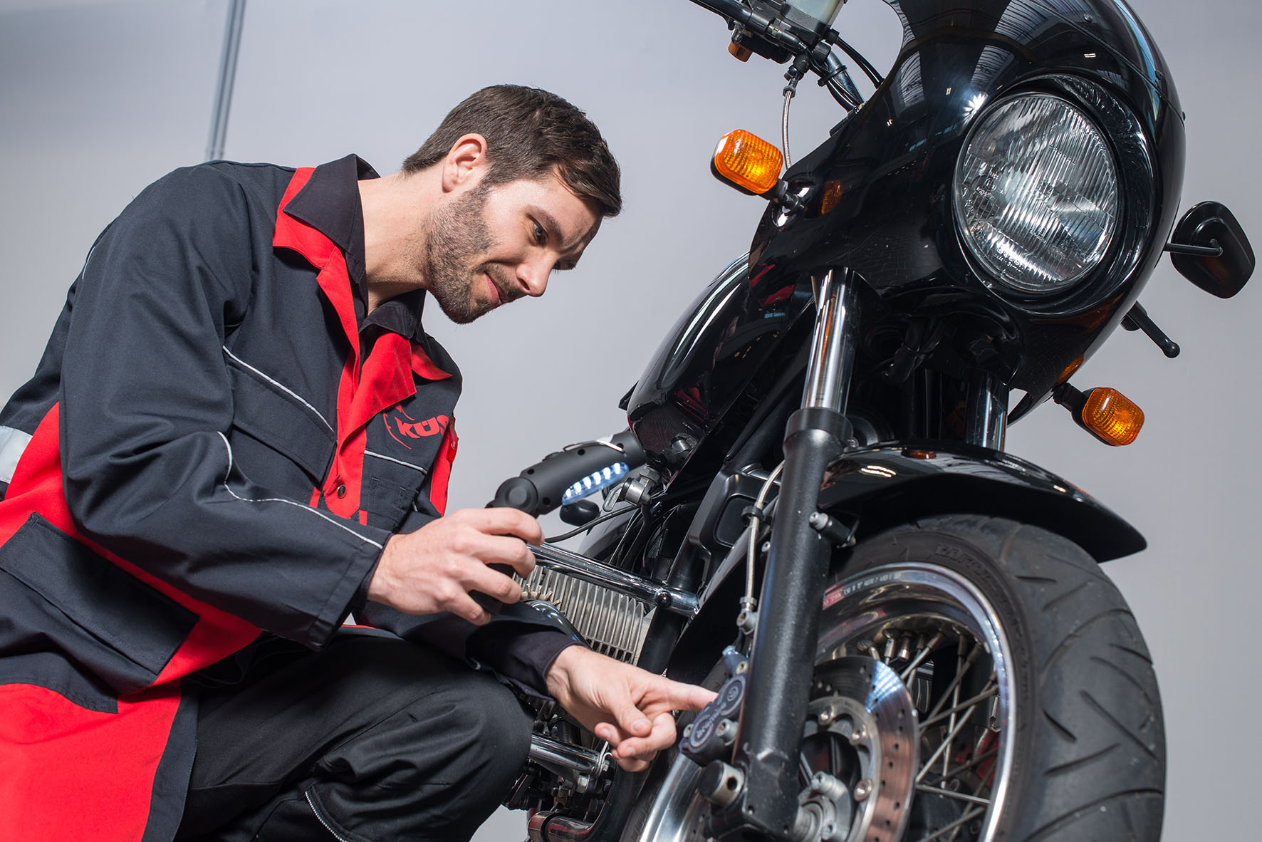 KÜS: Sicher in die Motorradsaison