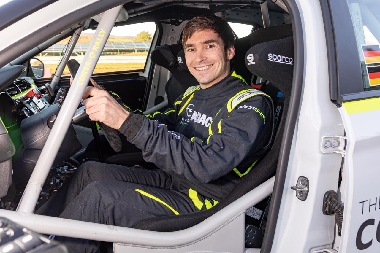 Marijan Griebel testet den neuen Corsa-e Rally