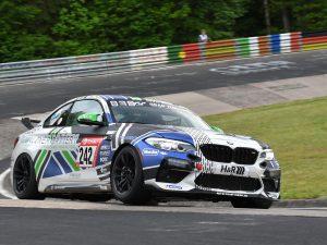 Ungewohntes 24h-Rennen für Rudi Speich: Klassensieg im Heckgetriebenen BMW