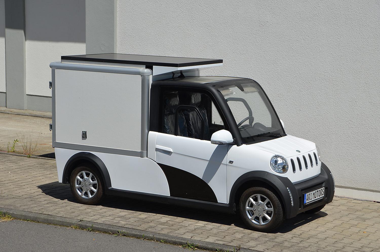 E-Antrieb plus Solarzellen: Leichttransporter-Prototyp vorgestellt